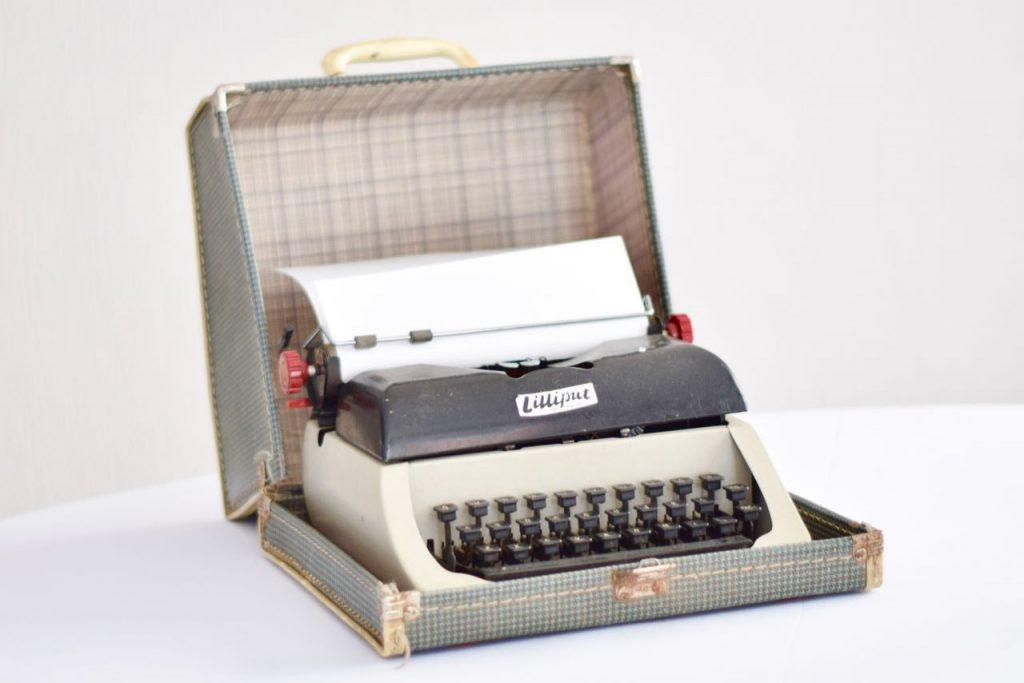 Vintage Typewriter in Case